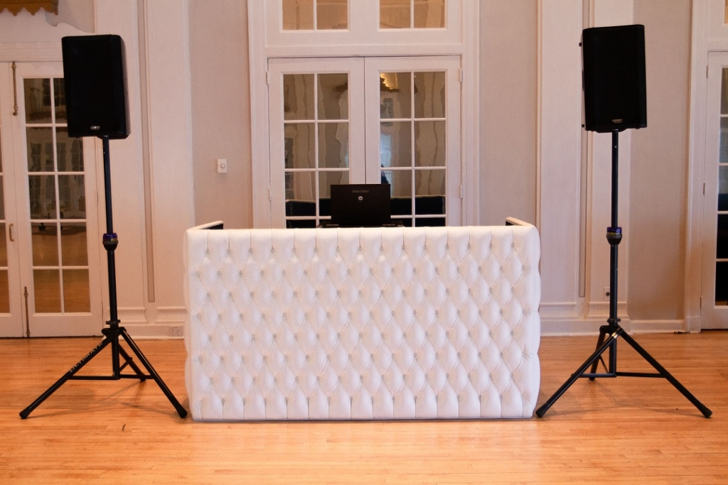 1 DJ Booth White Tufted