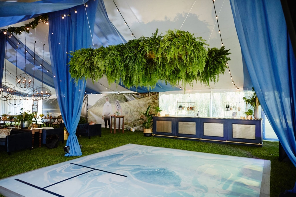 Tent clouds 1